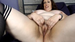 Chatty busty mother Carlene who can cum again and again