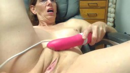 Beautiful GILF flowerst with sexy glasses and big boobs