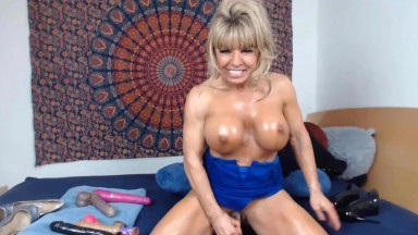 Stunning MILF Sophia with pleasure showing off her fit body