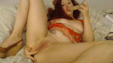 Sparkle madness likes to make solo videos in which she cums