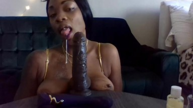 Royal black lady with giant saggy breasts and squirting