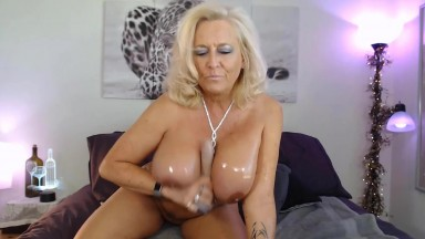 Chesty Pantera getting ready for a job with her giant cunt
