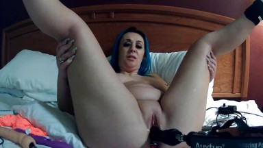 Innocent hottie Paige gets fast fucking machine in pussy