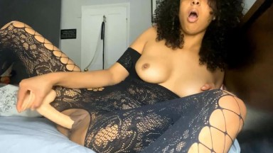 Egyptian queen stuffs her sweet snatch with her dildo