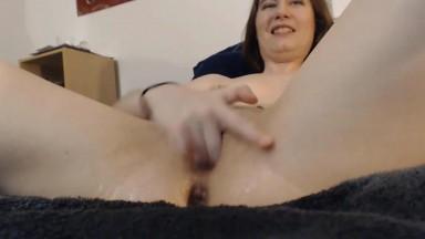 Lana Isley fucks herself with a dildo and squirts like a hose