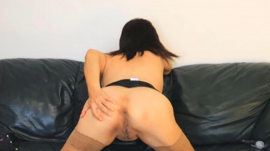 Mature housewife Maya wants to get wet and play with you