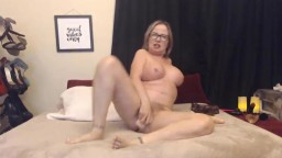 Pornstar Goldie squirts hairy pussy addicted filthy anal sex