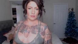 Gorgeous inked indigo Mistress to worship and obey