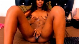 Hot ebony angel that likes to please u with a hot body